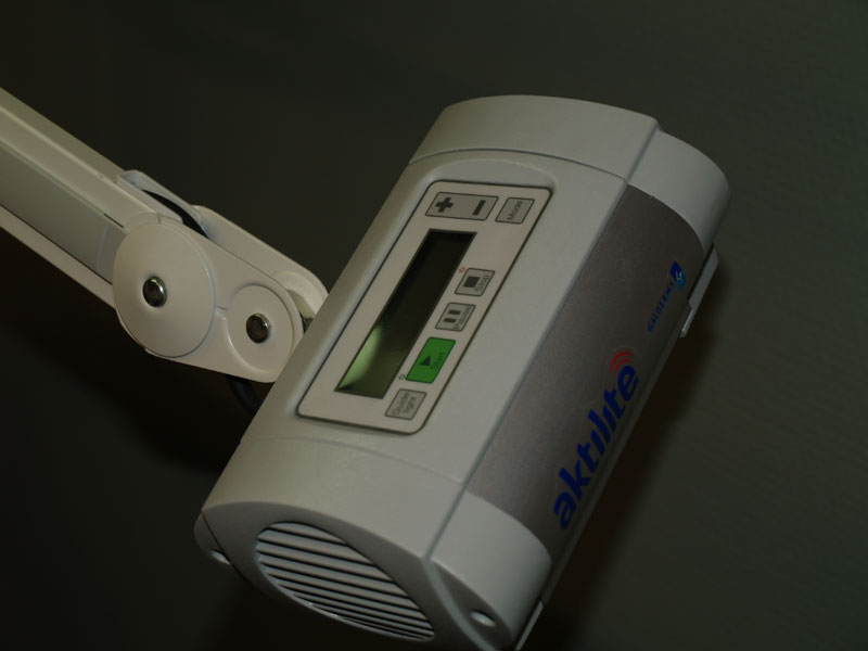 urządzenie do terapii fotodynamicznej w gabinecie dermatologa w Chrzanowie